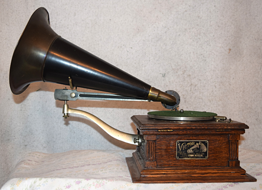 Victor Talking Machine Type E, front mount