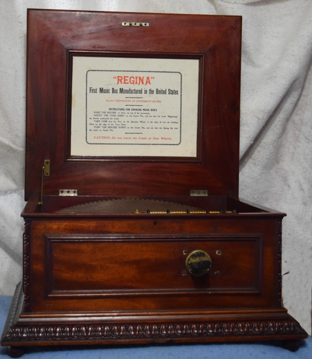 15.5 inch Regina music box, double comb, coin-operated