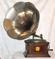 a second thumbnail of Columbia Disc Graphophone Type BI
