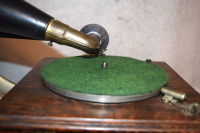 a fifth thumbnail of Victor Talking Machine Type E, front mount