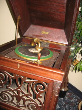 Edison A250 Diamond Disc phonograph